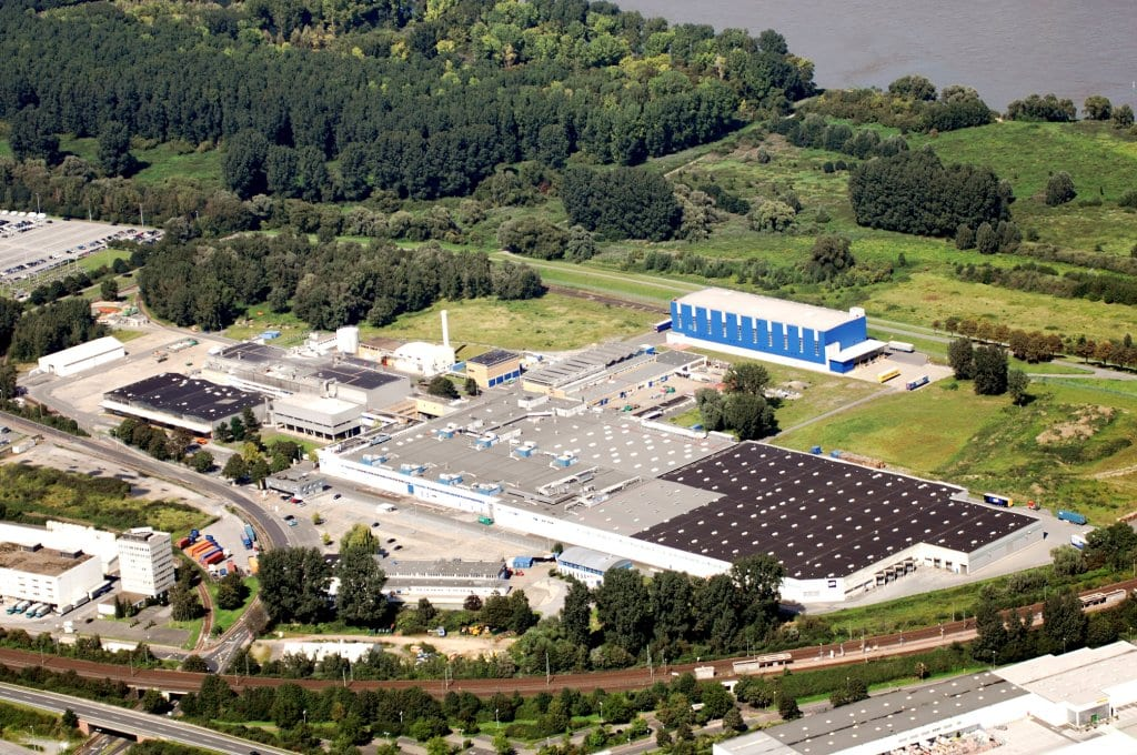 Close to Dus seldorf, SCA's Neuss site is f amous for its tis sue machine w orld speed r ecord